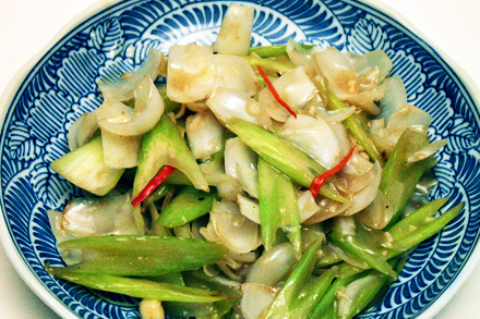 Stir-fry Lily Bulbs and Celery