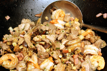 Stir-frying Beggar's Chicken Stuffing
